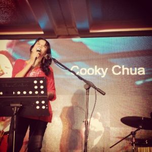 her voice, stronger than ever, Cooky Chua rocked the house