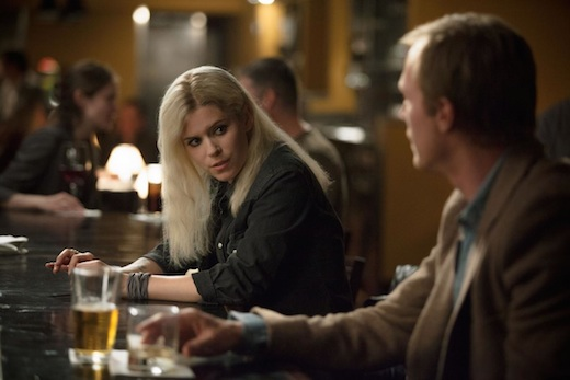 Kate Mara and Paul Bettany in Transcendence.