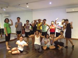 """Last night's Adult Beginner's Contemporary Dance class with Ea Torrado doing our best Mariah Carey-inspired pose because """"Always Be My Baby"""" was our last song in the jam"""